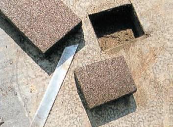 Вырезаем элемент пеностекла соответствующего размера